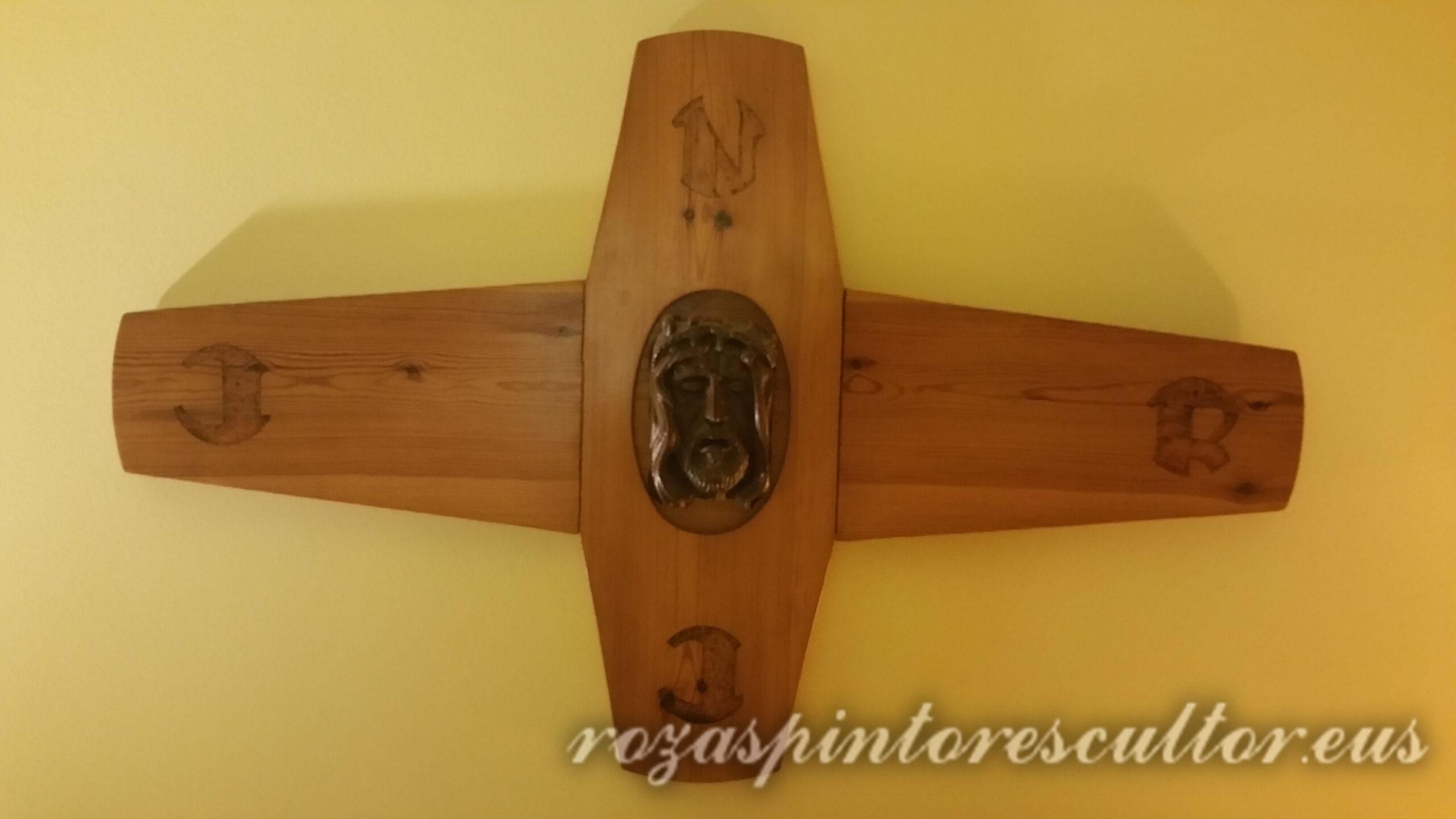 1980 Crucifix 50x50x5